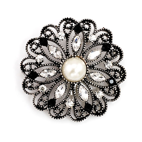 Antique brooch with pearl