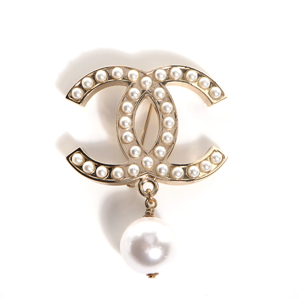 CHANEL CC Pearl Brooch with Pearl Drop Gold