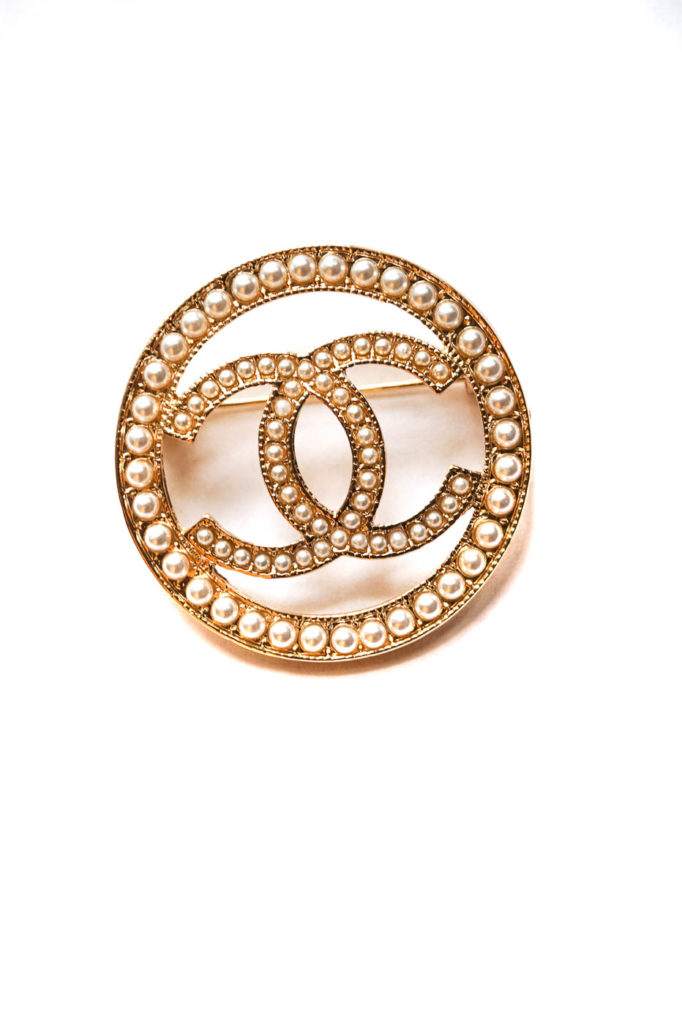 Chanel brooch round bead gold