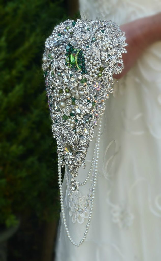 Emerald Green Crystal Pearl Cascading Teardrop Brooch Wedding Bouquet