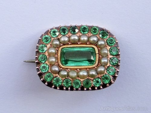 Vintage Gold Emerald Green Paste & Pearl Brooch