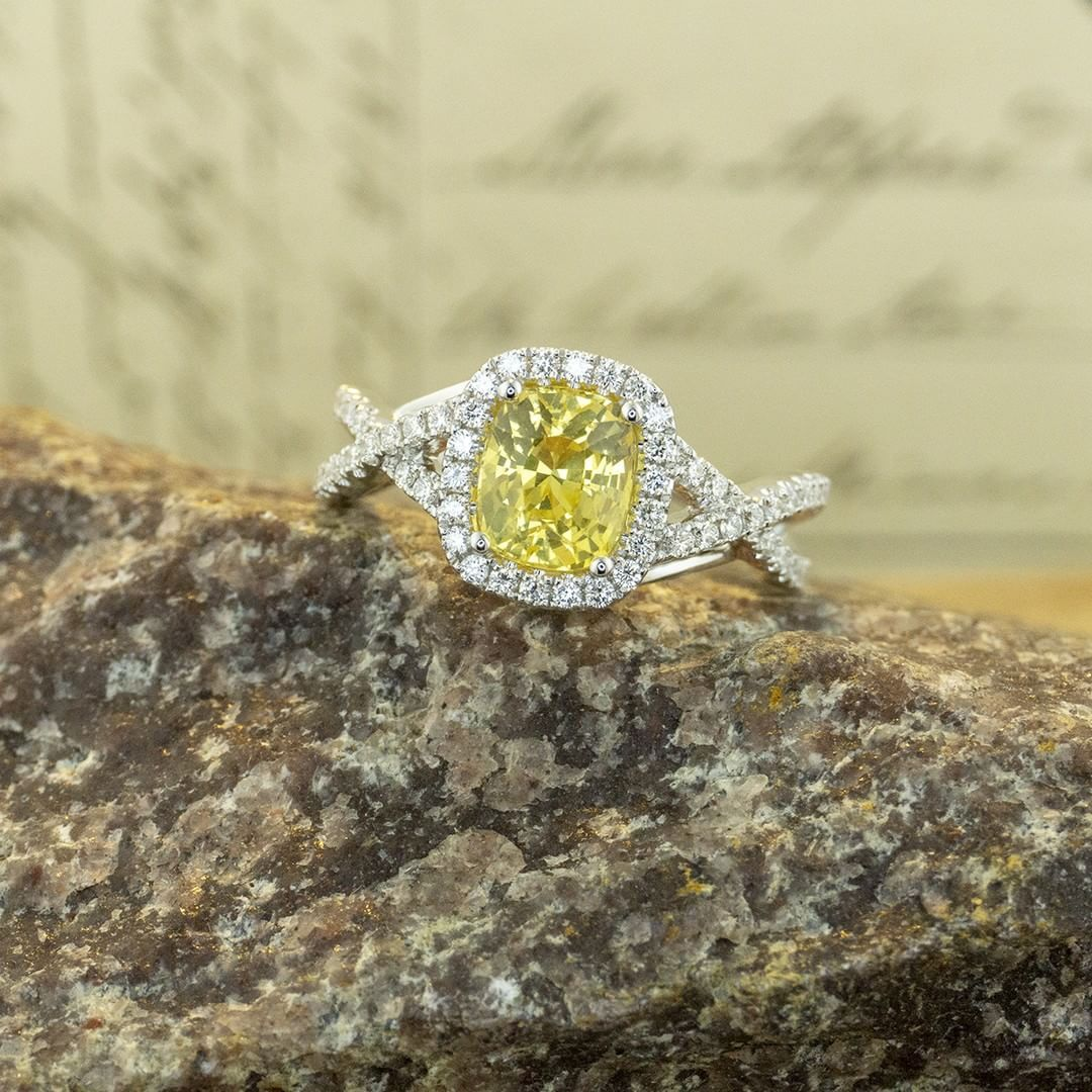 Join the alternative bridal craze – yellow sapphire is an excellent option to show some color. We use color to express ourselves in every aspect of life, why not in an engagement ring? #zomacolor #rings #engagement #engagementrings #alternativebridal...