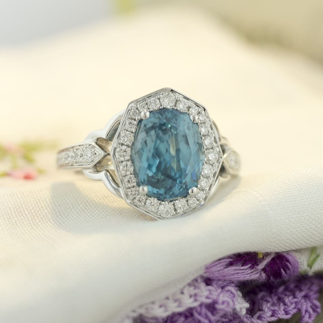 Breaking the Monday blues with a nice blue zircon. Zircons have been coming from Cambodia recently with more intense hues of blue and fancier cuts, like this one. #zomacolor #rings #bluezircon #zircon #agta_gems #coloredstones #gems #finegems...